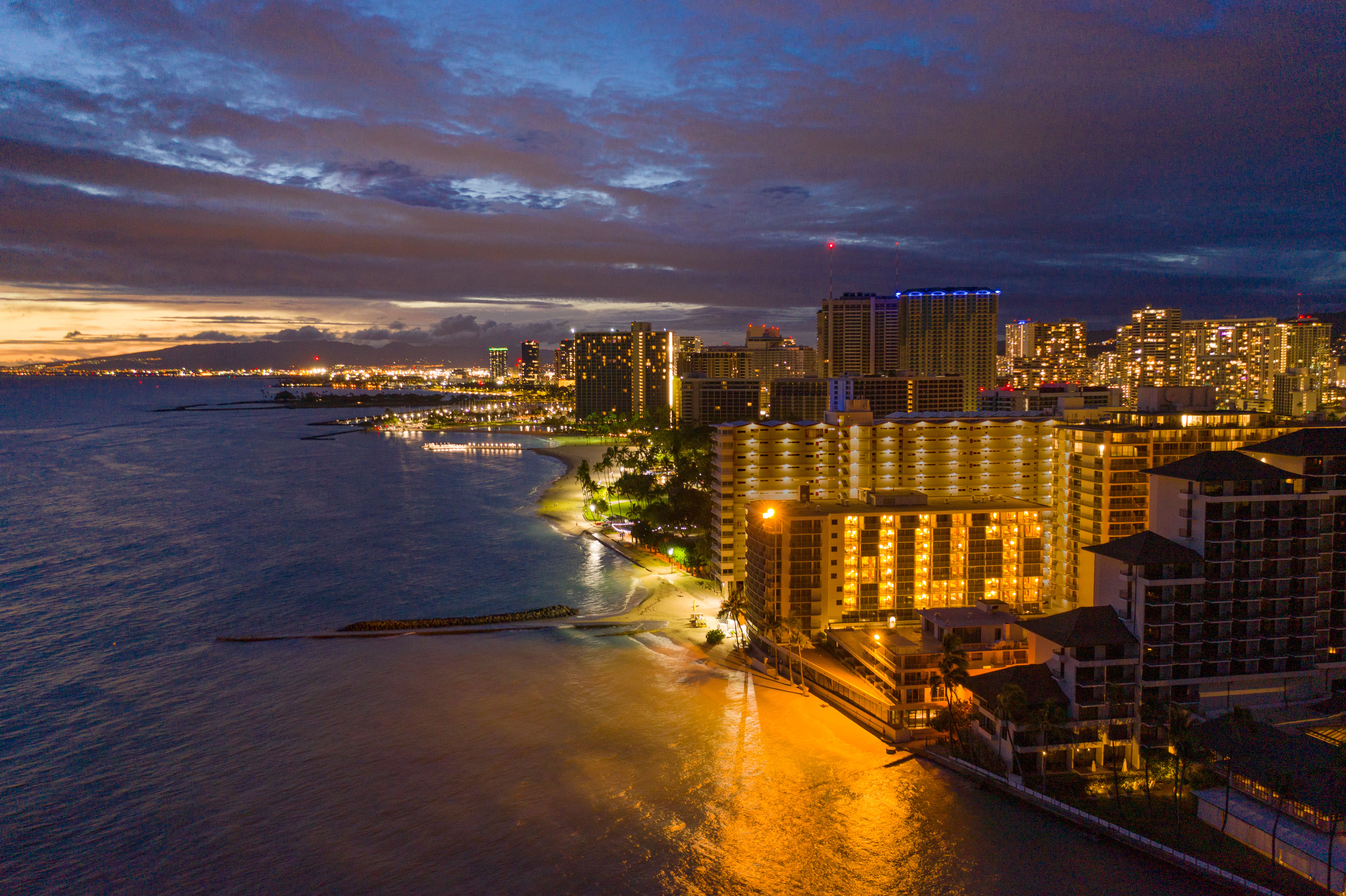 "#OutriggerCARES | Outrigger Reef Waikiki Beach Resort lights up with ""HUI"""