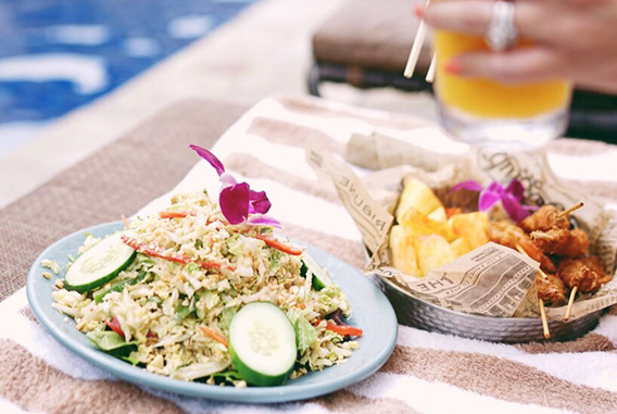 Reef Bar & Market Grill - Outrigger Reef Waikiki Beach Resort